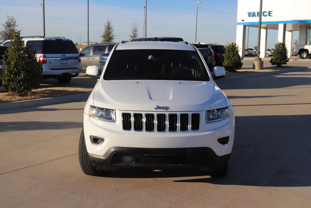 Pre-Owned 2015 Jeep Grand Cherokee 4WD 4dr Laredo