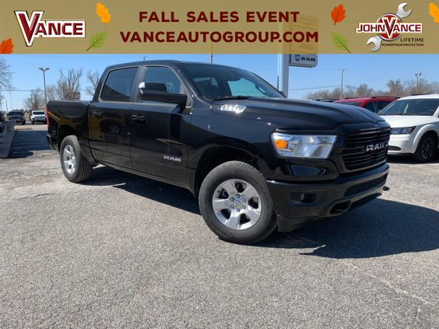New 2019 RAM 1500 Big Horn/Lone Star 4x4 Crew Cab 5'7