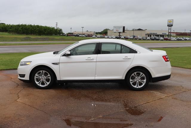 Pre-Owned 2013 Ford Taurus 4dr Sdn SEL FWD