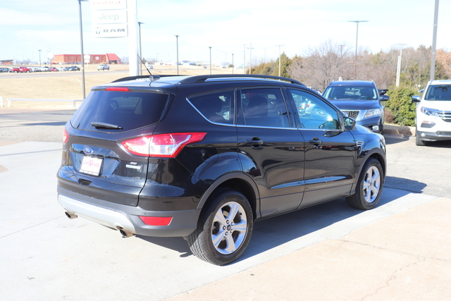 Pre-Owned 2015 Ford Escape FWD 4dr SE