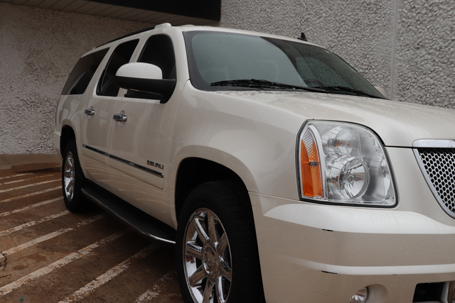 Pre-Owned 2012 GMC Yukon XL AWD 4dr 1500 Denali