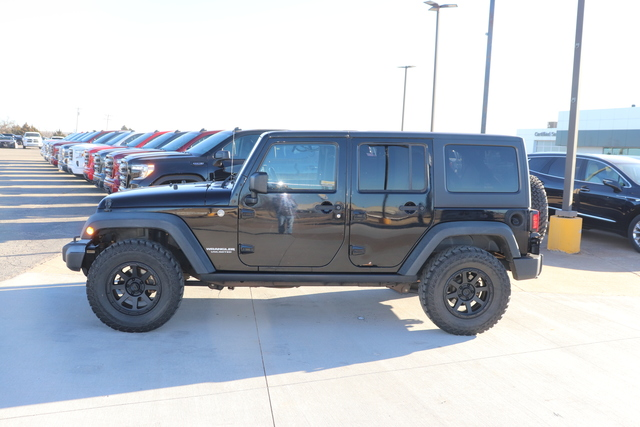 Pre-Owned 2011 Jeep Wrangler Unlimited 4WD 4dr Rubicon