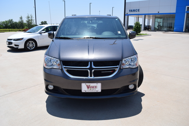 Pre-Owned 2018 Dodge Grand Caravan SXT Wagon