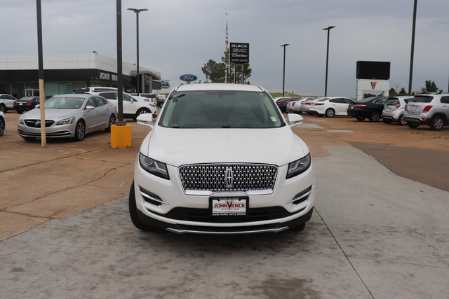 Pre-Owned 2019 Lincoln MKC Select FWD