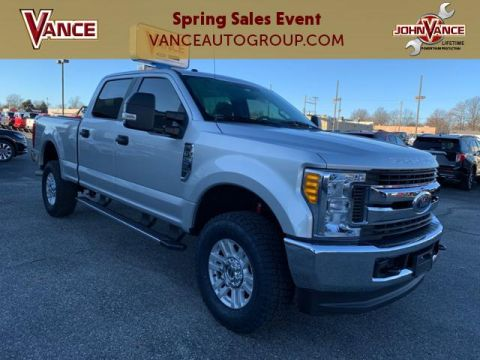 Pre-Owned 2017 Ford Super Duty F-250 SRW XL 4WD Crew Cab 6.75' Box